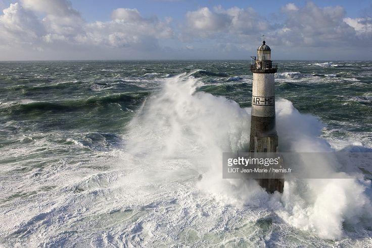 Stock-Foto : France, Finistere, Iroise Sea, Ponant Island, Parc Naturel Regional d'Armorique (Natural Regional Park of Armorique), Ile de Sein, Chaussee de Sein, Ar-Men lighthouse