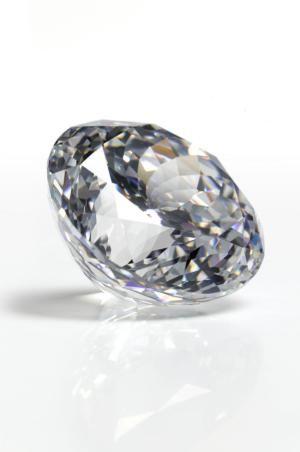 Does Diamond Clarity Matter?