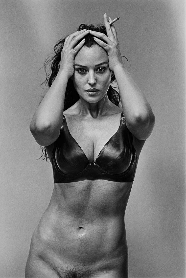 Monica Bellucci, París, 1999 by Peter Lindbergh