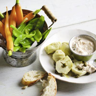 Das ideale Mittagessen für das Büro: Dieser leckere Salat ist ganz schnell zubereitet und gelingt ganz leicht.