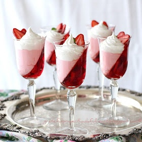 Jello strawberry parfait recipe and tutorial. Cuz my man loves him some