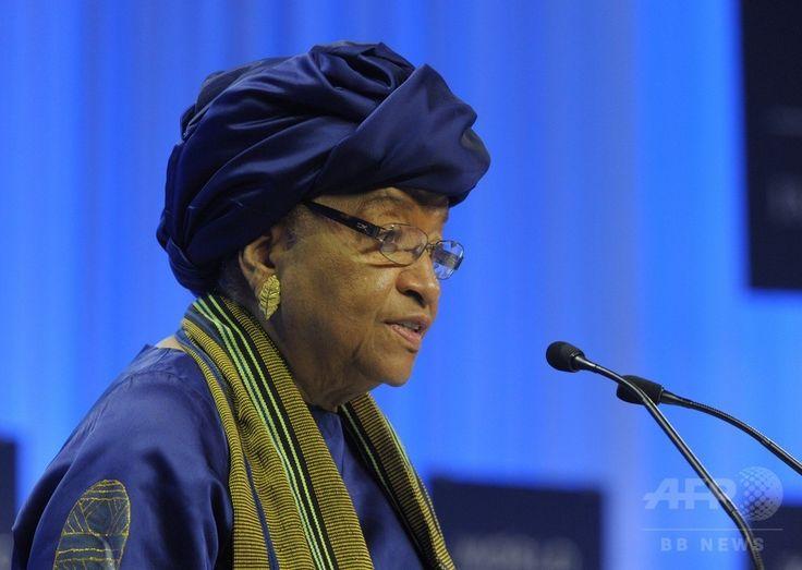 スイス・ダボス(Davos)で開かれた世界経済フォーラム(World Economic Forum、WEF)年次総会(ダボス会議)で演説するリベリアのエレン・サーリーフ(Ellen Sirleaf)大統領(2014年1月22日撮影、資料写真)。(c)AFP/ERIC PIERMONT ▼29Jul2014AFP|エボラ出血熱が広がる西アフリカ、リベリアが国境を封鎖 http://www.afpbb.com/articles/-/3021703 #Ellen_Johnson_Sirleaf