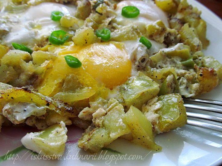 Яичница с зелеными помидорами (Fried eggs with gre...