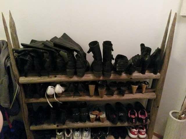 Heinäseiväs kenkäteline