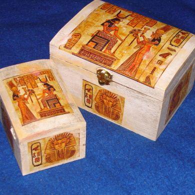 Drevené krabičky zdobené servítkovou technikou, vodeodolné, možnosť vybrať si z vicerých veľkostí a tvarov (podľa požiadavky), mariamia