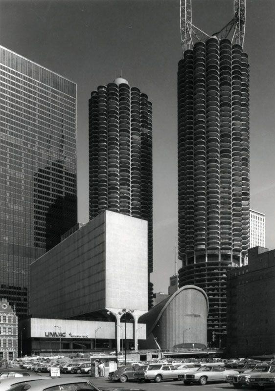 Marina City | 1967 | Chicago, Illinois | Bertrand Goldberg