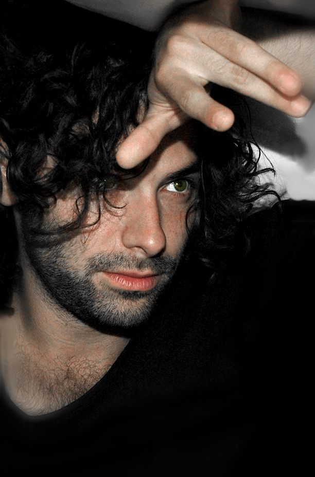 Aidan Turner — Wow…how have I never seen this one???!