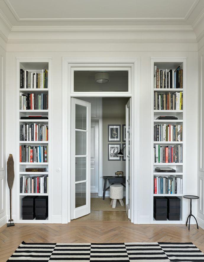 Черно-белый минимализм: квартира архитектора Петра Юшина | Elle Decoration на Elle.ru
