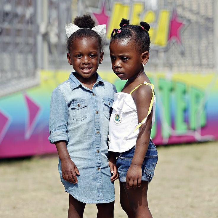 Zomerkermis  - #project365 #day173 #photochallenge #zomerkermis #kermis #city #dordt #dordrecht #dordrechtcentrum #spuiboulevard #citygirls #summer #littlegirls #denim #smile #foto #fotografie #portret #portretfotograaf #dk_photography #portretfotograafdordrecht #geefjeookop #fotoshoot #stadsfotografie #portraitinthecity
