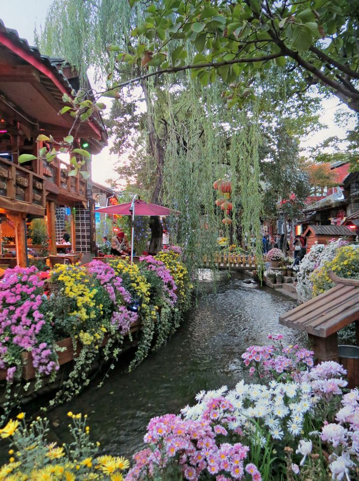 Lijiang old town, Yunnan / China (by Linda de Volder).