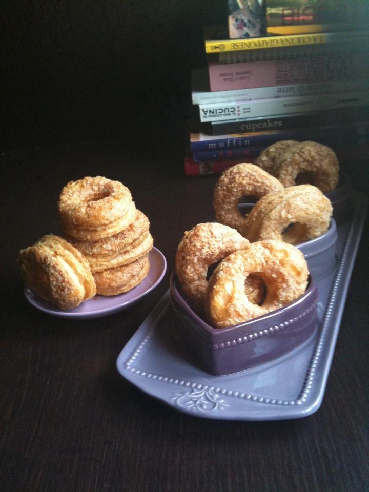 """""""Sfogliatine di Villafranca""""  trovate la ricetta qui - find the recipe here ---> http://www.facebook.com/media/set/?set=a.121624294591004.32210.121609514592482=3#!/photo.php?fbid=279125268840905=a.121624294591004.32210.121609514592482=3"""