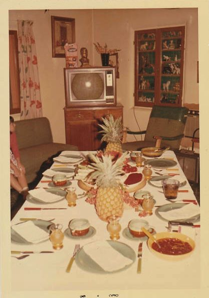 1960s Tiki/Polynesian Party decor. #1960s #1960sparty #vintagedecor
