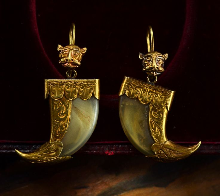 1860-70s Anglo-Indian Tiger Claw Earrings