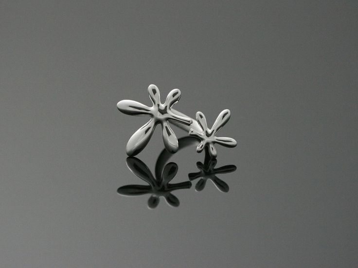 Leaflower ring. by Chao & Eero, Finland. #chaoandeero #finland #finnishdesign #nordicdesign