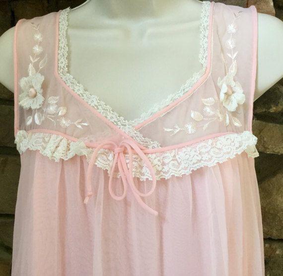 Vintage Val Mode Negligée Blush Pink Chiffon Medium Nightgown