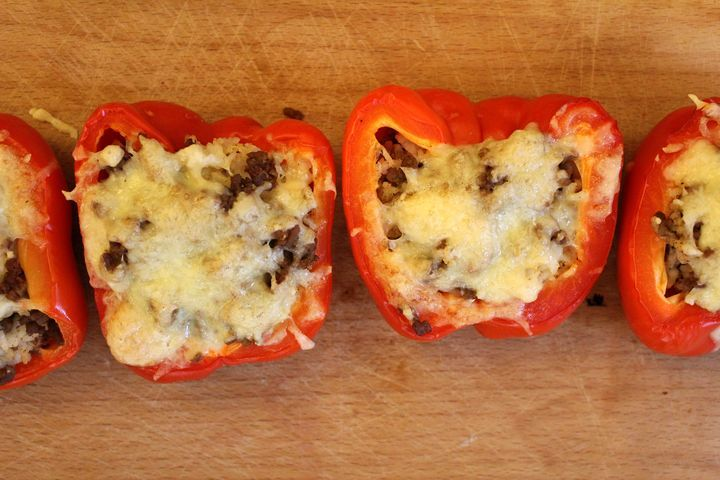 Täytetyt paprikat Garam masala - http://starbox.fi/jannenkeittiossa/taytetyt-paprikat-garam-masala