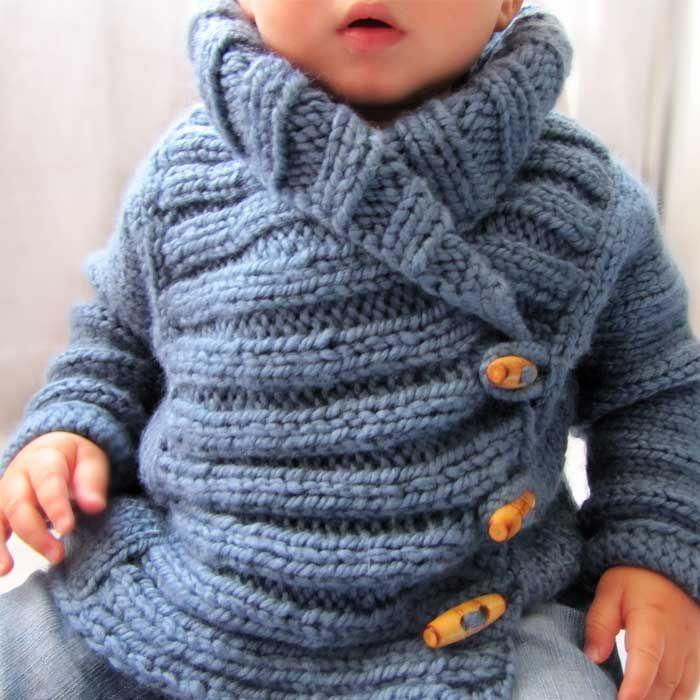 Tutorial que muestra el paso a paso para tejer una chaqueta de bebé a dos agujas. Talla 12- 24 meses