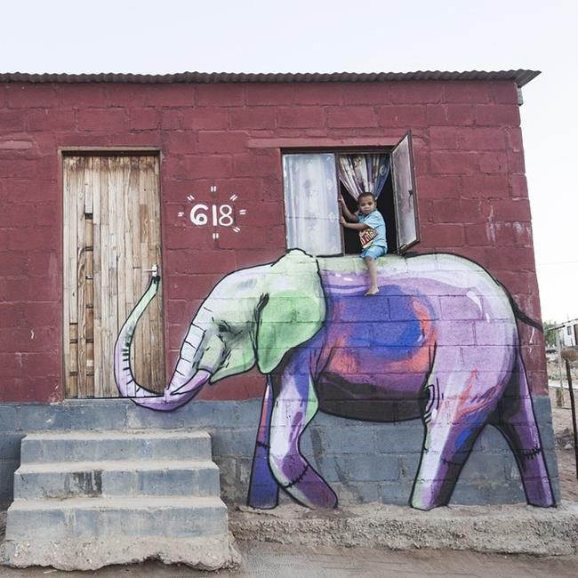 Afrika'daki Duvarları Fil Resimleriyle Süsleyen Sokak Sanatçısı ile Tanışın: 'Falko Fantastic' Sanatlı Bi Blog 9