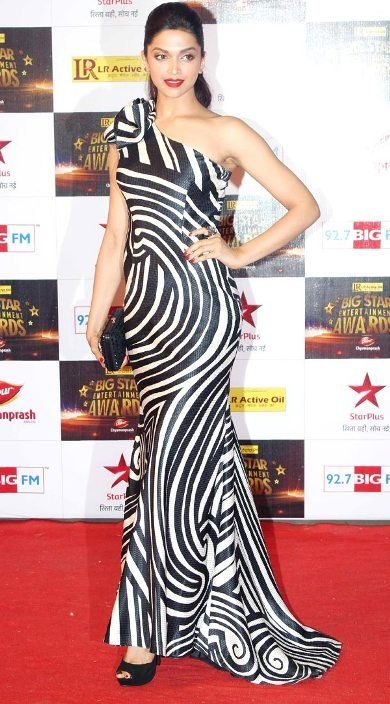 #Bollywood #Actress  #NaeemKhan #Outfit #deepikapadukone