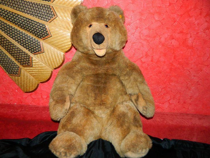 Коллекционная Игрушка  Original Steiff Molly Brown Bear № - 0345/80 West Germany   Эта прекрасный Гигантский Медвежонок Steiff . Оригинальные Steiff Артикул EAN: 0345/80 Ростом 80 см. Вес 3.6кг. Выпускался период с 1989 по 1990  В Хорошем состояние. (с кнопкой в ухе )  Цена 3000гр  #doll #кукла #игрушки #toys #Steiff #АнтикварныйМишка #TEDDYBEAR #МишкаТедди #Мишка_Тедди #TEDDY_BEAR  #антикварныймишка #винтаж #винтажныймишка