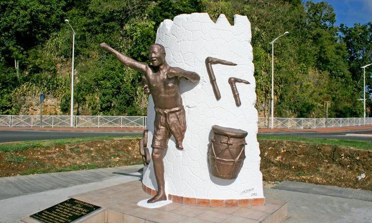 Sainte-Anne, Mémorial du Neg Marron, œuvre de Jocelyn Pezeron