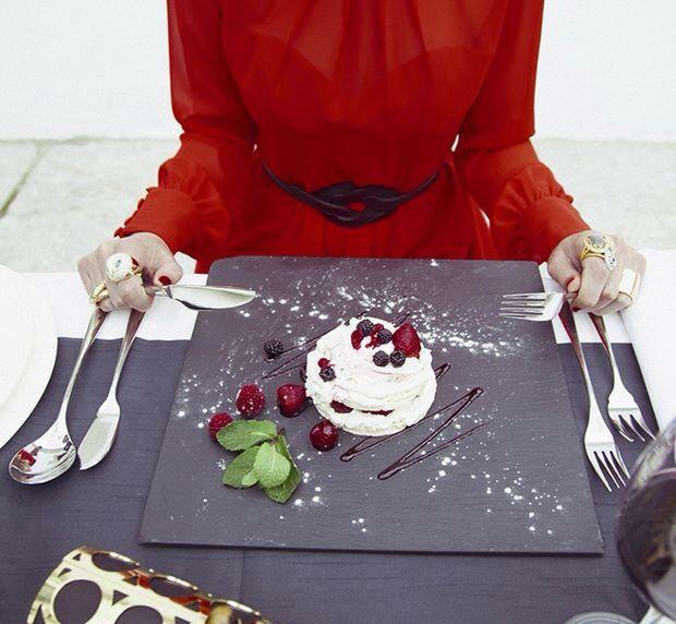#ponerlamesa #mesasdenavidad #pizarra #slate #plato #bodas #catering  #vajillas atrévete cambia tu mesa!!!!! Venta online www.platosypizarras.com