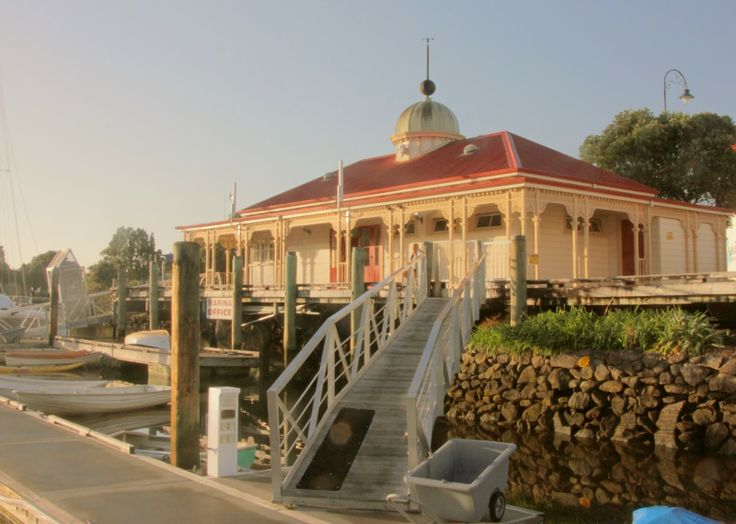 Whangarei Town is a really interesting place for a walk. Start off at the marina right in city centre and explore the old buildings along the waterfront. Finish up your walk by enjoy a few drinks looking at all the boats while the sun sets.