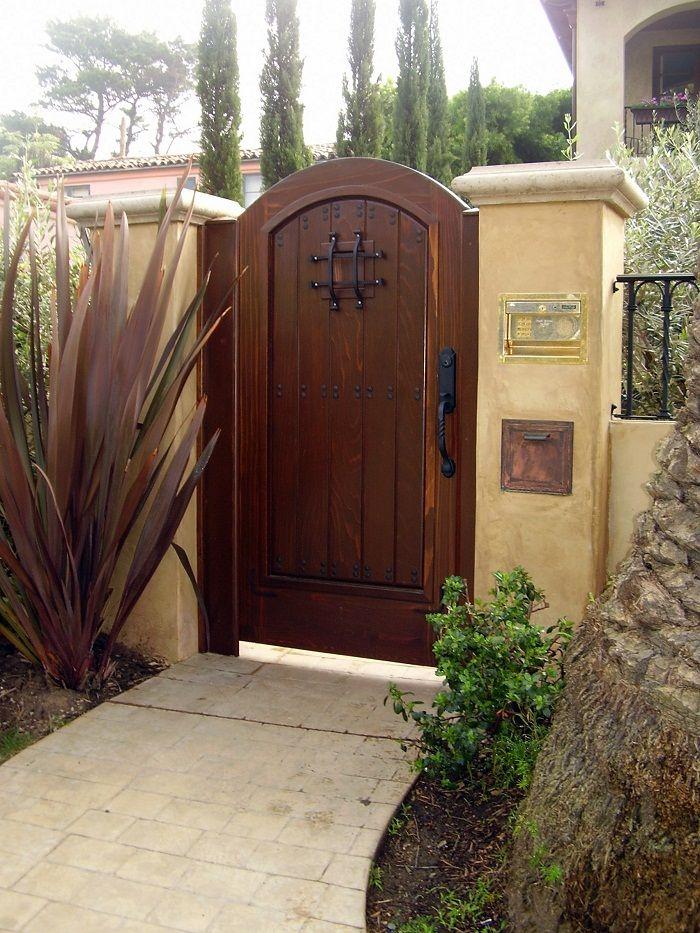 Fantastic Garden Decor With Wooden Garden Gates