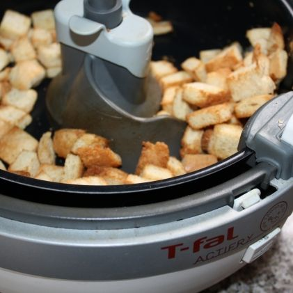 Actifry croutons (add 1 Tb oil) - perfect for fattoush salad