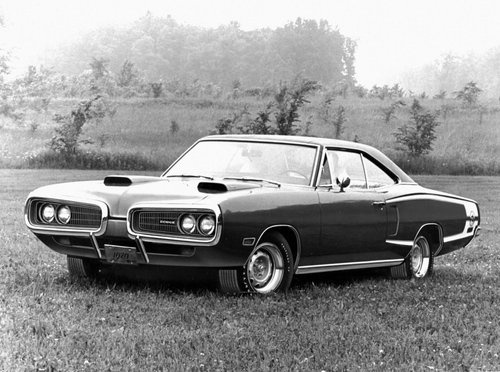 1970 Dodge Coronet Super Bee http://cars.about.com/od/dodg1/ig/2008-Dodge-SRT8-Super-Bee-pics/1970-Dodge-Coronet-Super-Bee.htm