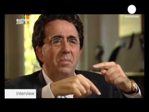 Сантьяго Калатрава: моя Европа - это мосты между ... - YouTube