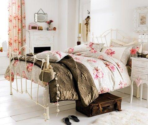 Vintage Bedroom Decorating Ideas For Teenage Girls