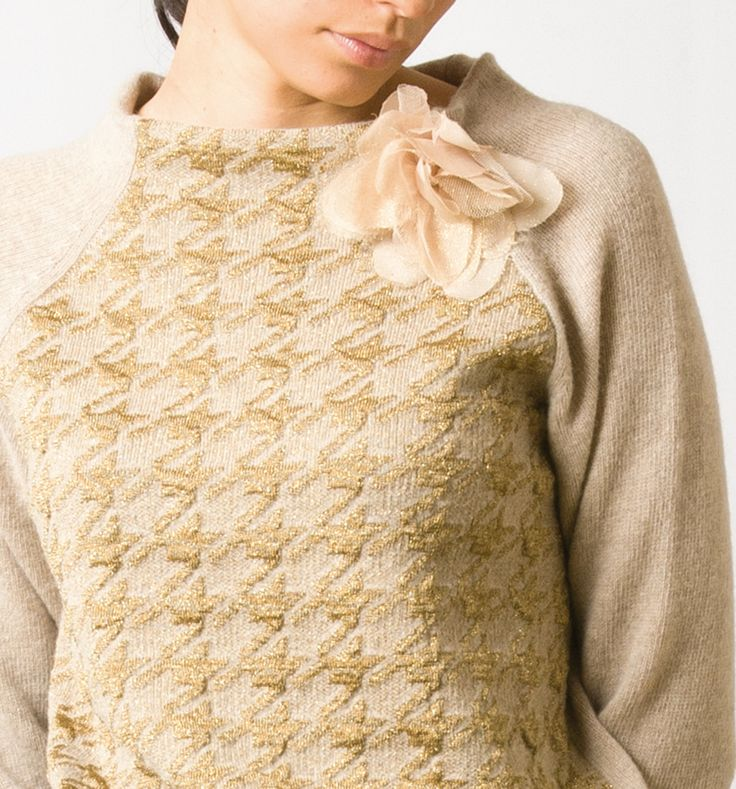 momoé gold knitwear monday outfit... sweater...flower