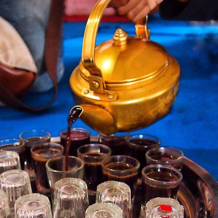 """""""Start your day with a cup of great coffee ☕️ .  Di Kampung Al Munawar, kami disuguhkan kopi asli Palembang yang enak dan wangi. Kopi yang tumbuh di…"""""""