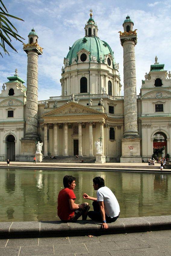 Apontamentos: Parque da Cidade – Porto; Munique; Baviera - Castelo de Hohenschwangau; Anfiteatro de El Jem – Tunísia; #karlskirche – #VienaDeÁustria