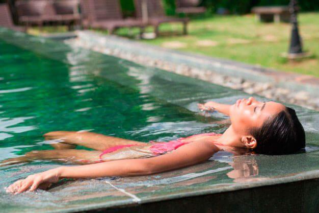 ¡Protégete de la radiación UV! Sigue los consejos de @farmaciasanse en nuestro post