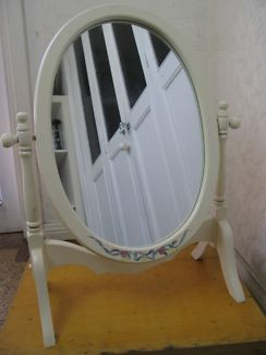 $50 Vintage DRESSING TABLE MIRROR White TImber Oval 50x27x37cm Text 0411691171 or email info@bitspencer.com