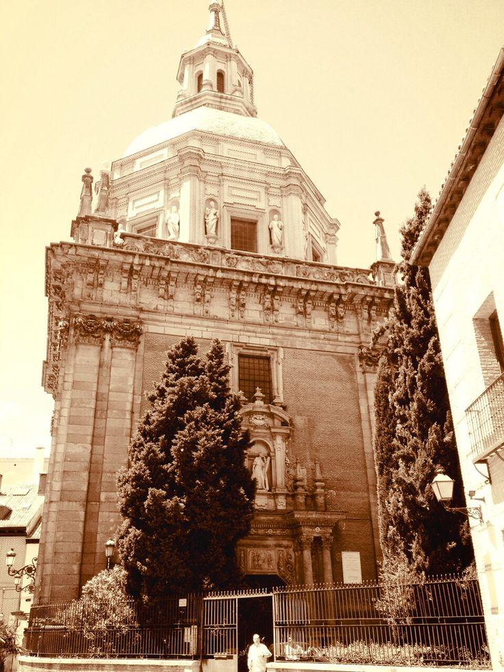 Santa San Andrés