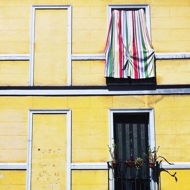 Minimal Facade in Madrit Shoot by @laciudadalinsta
