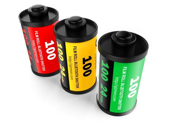 リアルなフィルムの形をした、便利なBluetooth®シャッターです。たいへん小型で、キーチェーンを付けていつでもどこにでも持っていけます。リチウムイオン電池を内蔵しており、何度も充電して使うことができます。スマートフォンの標準カメラアプリだけではなく、他の多くのカメラアプリで利用できます。