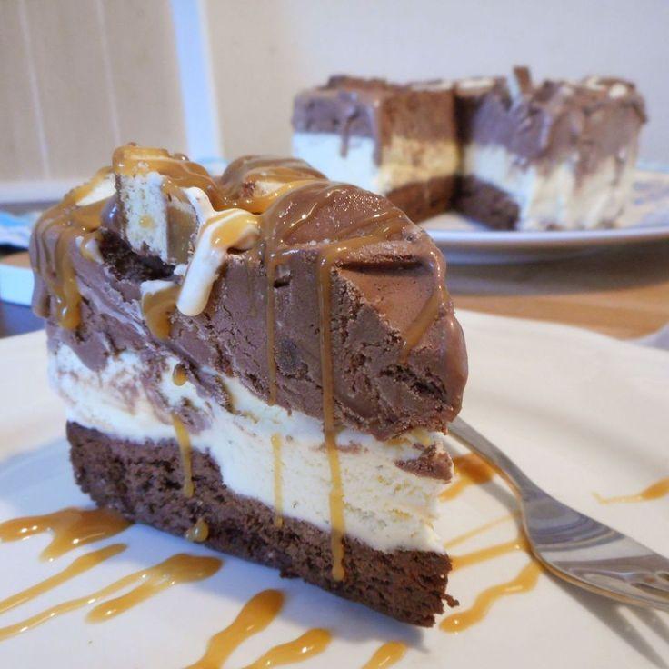 Brownie twix ijstaart / Desserts / Recepten | Hetkeukentjevansyts.jouwweb.nl