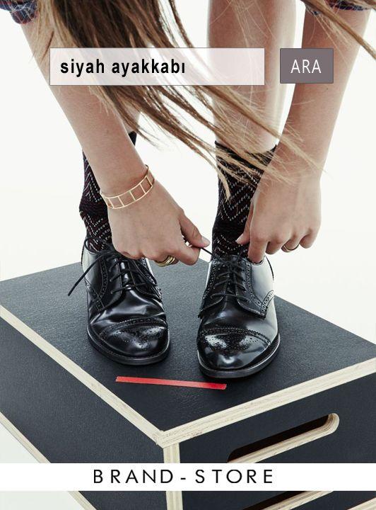 Pazartesi iş koşusu için önerimiz topuklu yerine rahat ve şık düz ayakkabılar! ---> http://brnstr.co/1vUyC8h #ayakkabı #ofisstili #brandstore #pazartesi