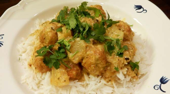 RECEPT CURRY MET VEGA-BALLETJES EN ANANAS #MEATFREEMONDAY