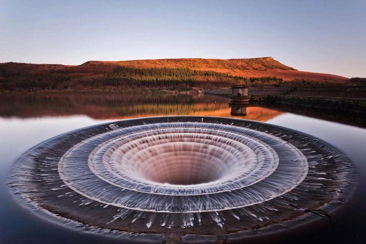 Ladybower Reservoir In Derbyshire, England