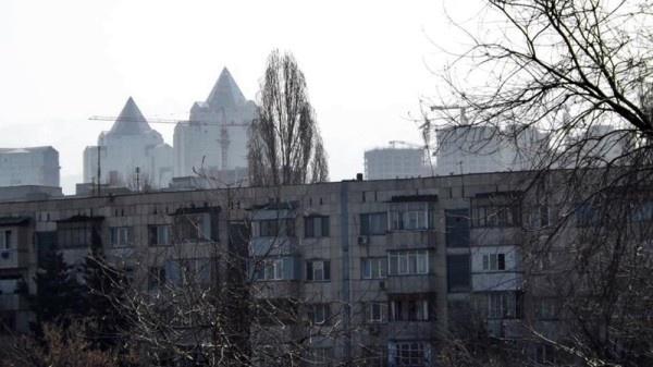 Almaty, peisaj urban de zi cu zi