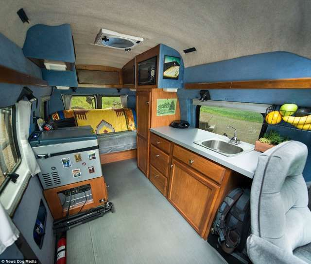 17 best images about living in a van on pinterest sprinter van conversion the van and. Black Bedroom Furniture Sets. Home Design Ideas