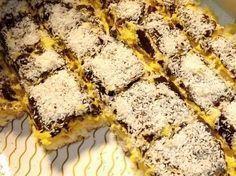 Atât vă spun: această prăjitură a fost lăudată și făcută (în repetate rânduri!) chiar și de oameni care nu prea sunt amatori de cocos, în general!
