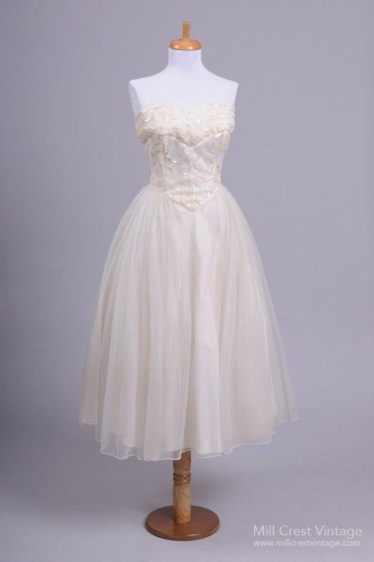 17 beste afbeeldingen over VINTAGE-BRAUTKLEIDER | VINTAGE DRESSES op ...