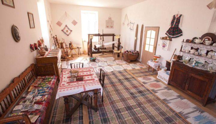 Dom ľudových tradícií v obci Čerhov, Tokaj, Slovensko