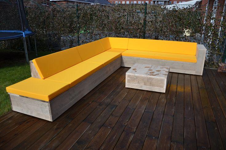 Steigerhouten loungeset met gele kussens